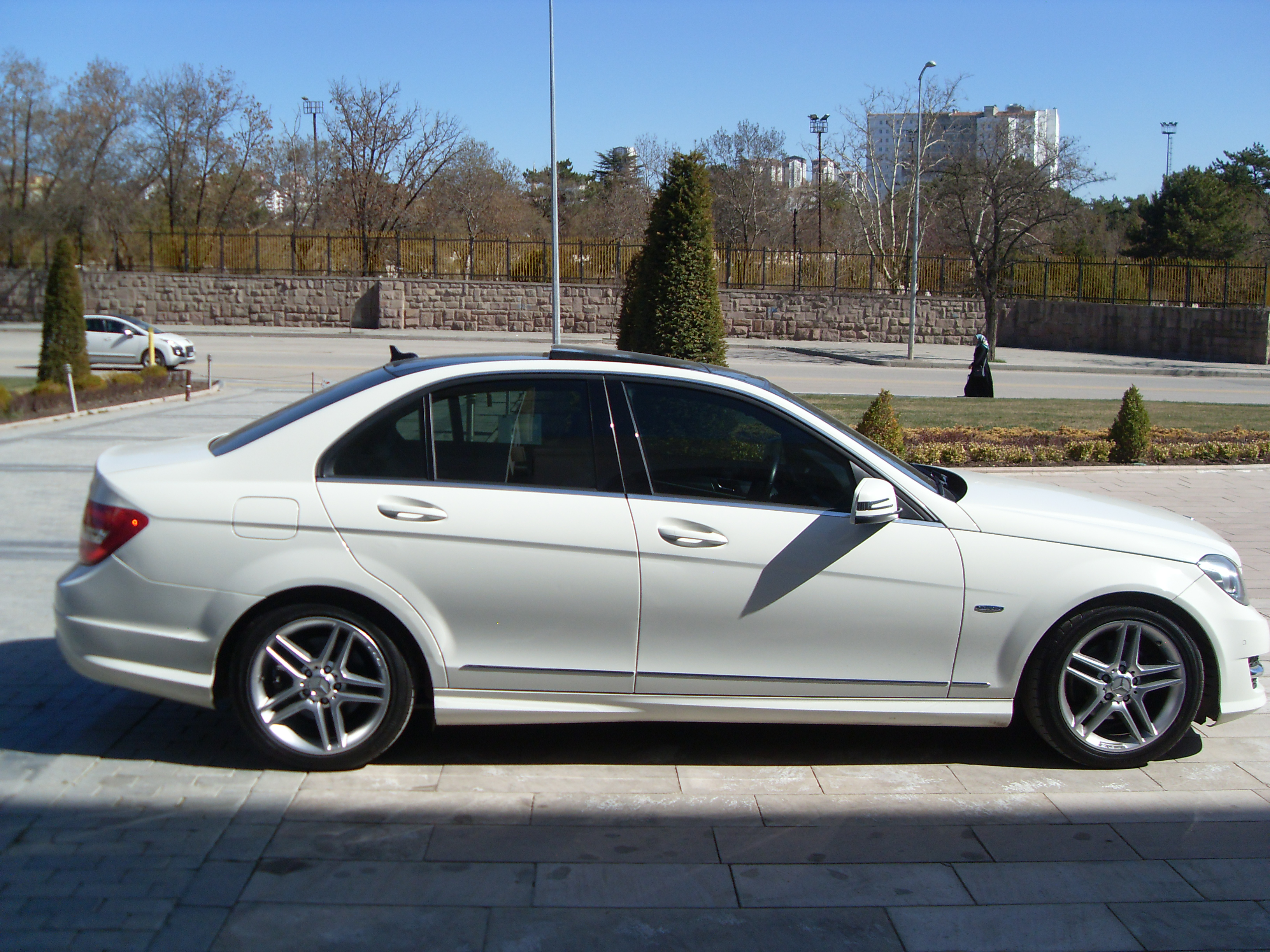 Mercedes benz c180 nceleme w204 cars of turkey for Mercedes benz turkey
